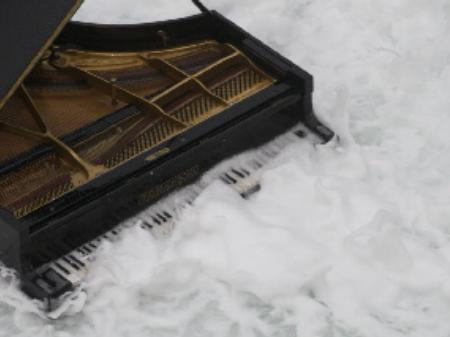 Leif ove Andsnes's piano flooded with water.