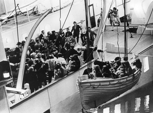 John Barry - Raise The Titanic