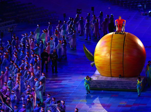 The 2012 Paralympics Opening Ceremony, Newton's Ap