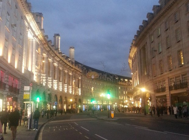 Classic FM turns on the Regent Street Christmas Li