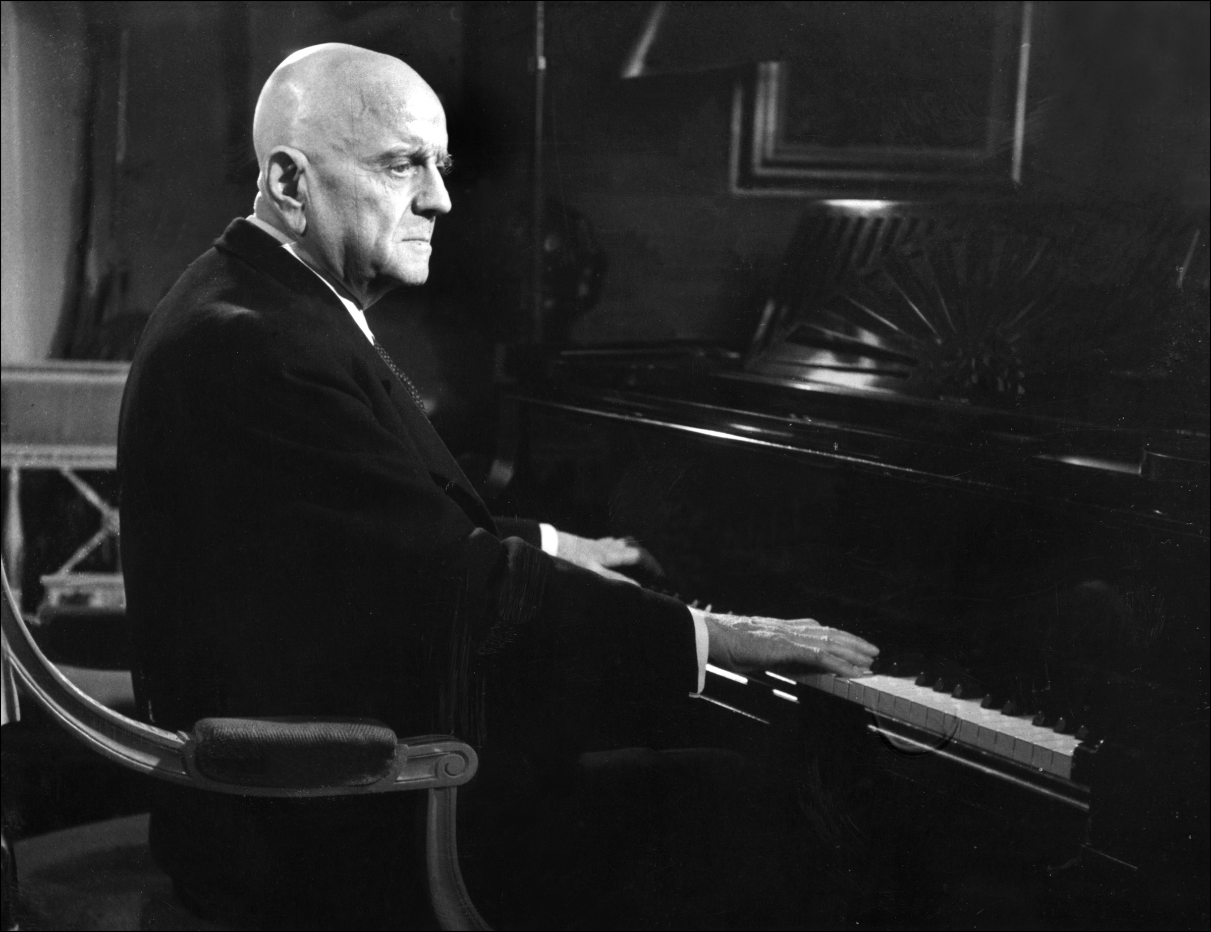 an introduction to the life of jean sibelius This companion provides an up-to-date introduction to the life and music of finland's greatest composer, jean sibelius (1865-1957) divided into four sections, it.