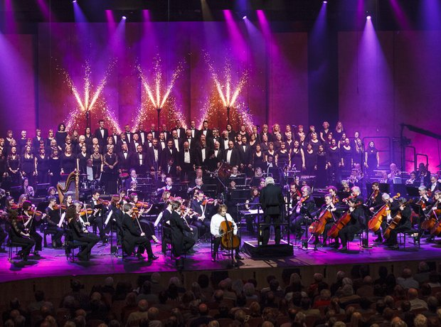 The Orchestra of Welsh National Opera and Julian L