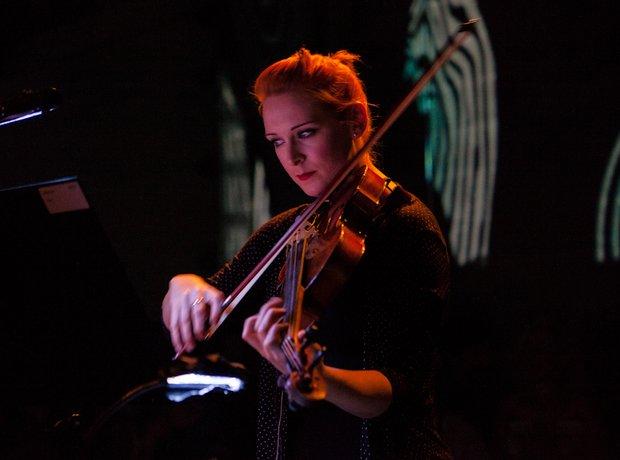 Sinfonia Cymru: UnButtoned