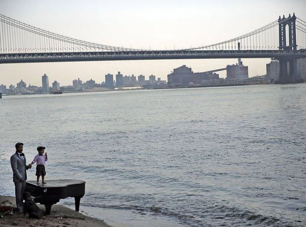The Brooklyn Bridge piano