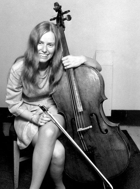 Jacqueline du Pré: 13 iconic pictures of the great cellist ... Peter Max 60s