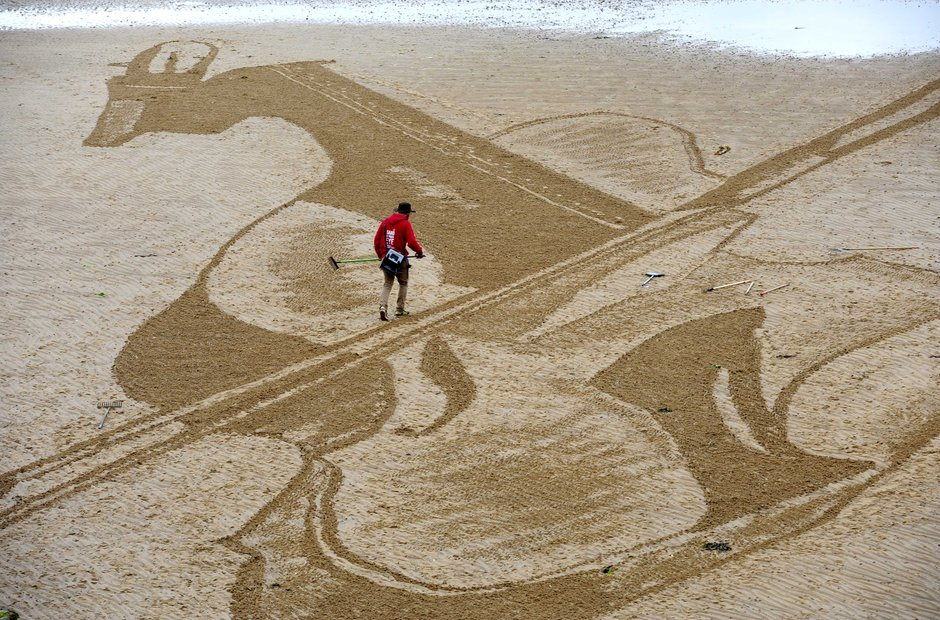 Strad in the sand