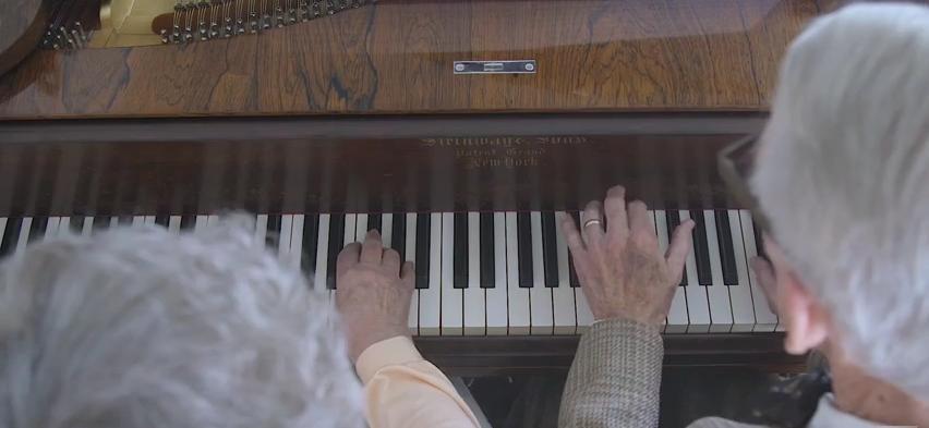 Up piano duet screenshot