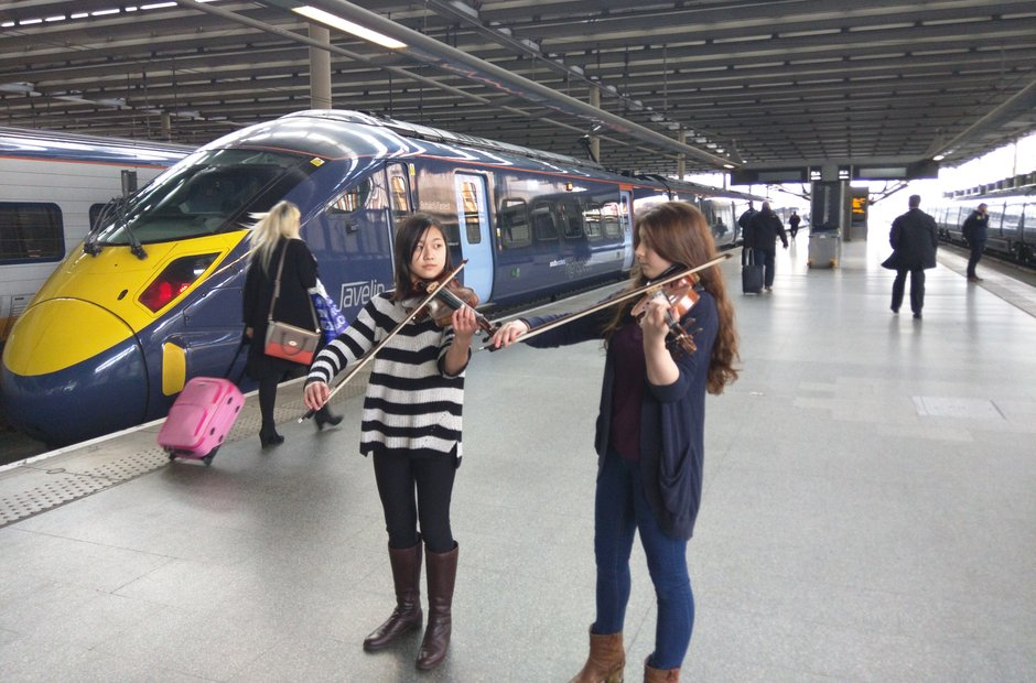 Violinists at London St Pancras