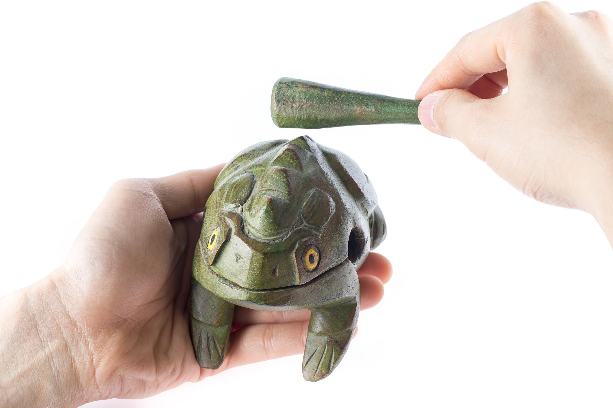 Guiro frog instrument