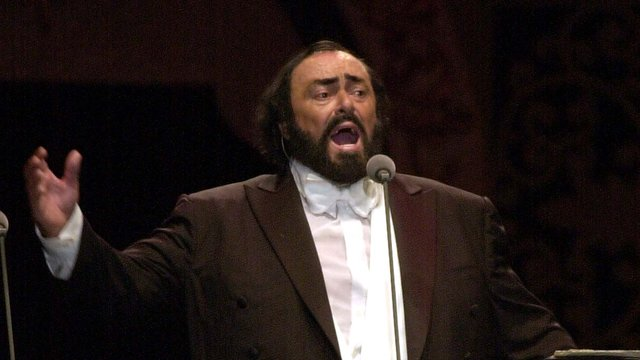 https://assets.classicfm.com/2009/10/luciano-pavarotti-1236773282-editorial-long-form-1.jpg