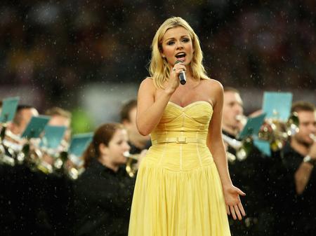 Katherine Jenkins singing 'Jerusalem'