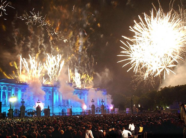 Fireworks at Buckingham Palace