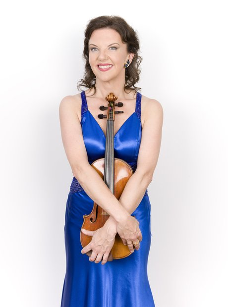 Tasmin Little orchestral soloist violinist