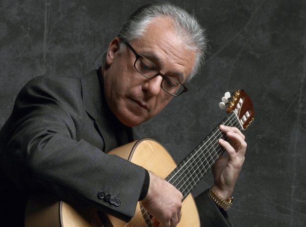 Pepe Romero guitarist