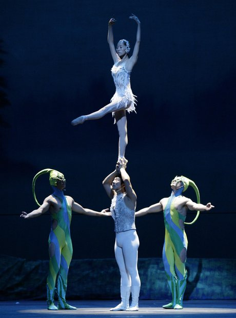 Guangdong Acrobatic Trope of China perform Swan La