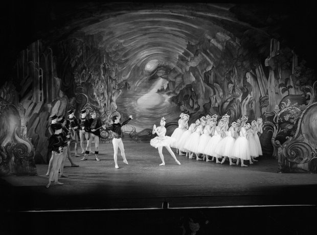 Swan Lake Margot Fonteyn