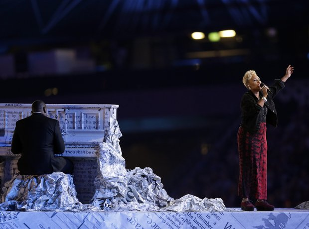 Emeli Sande performs at the Olympic Closing Ceremo