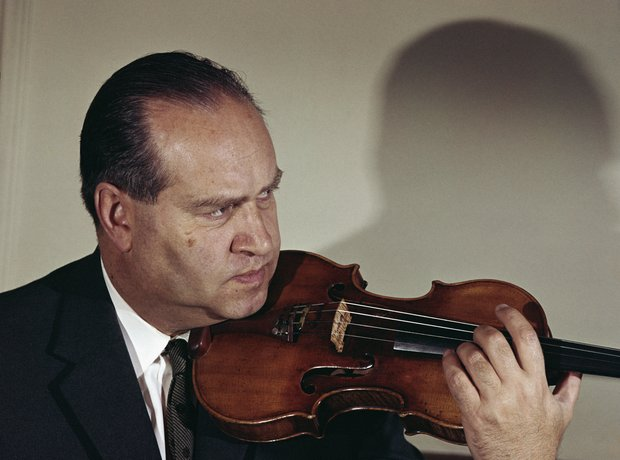David Fyodorovich Oistrakh playing violin