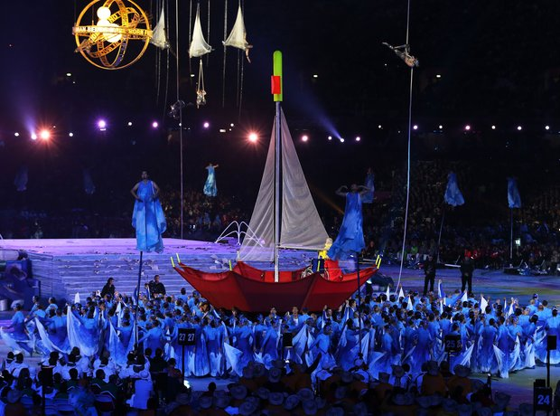 The 2012 Paralympics Opening Ceremony, sea, red bo