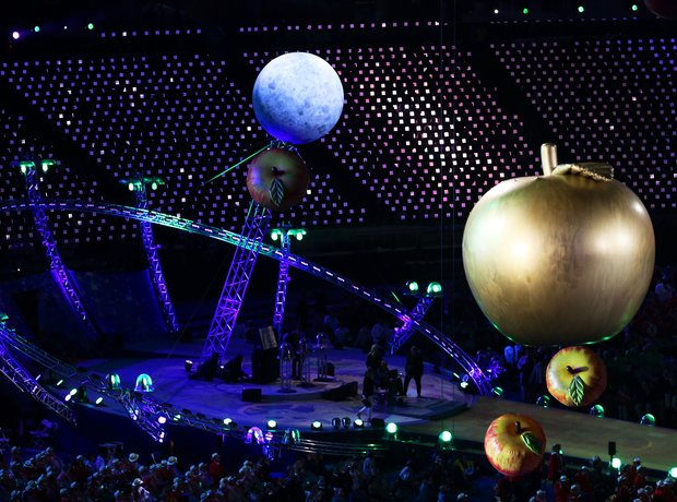 Paralympic opening ceremony apples