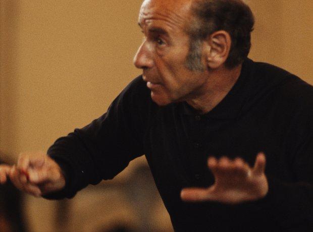 Erich Leinsdorf conducting