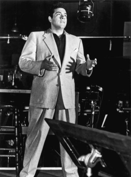 Mario Lanza singing