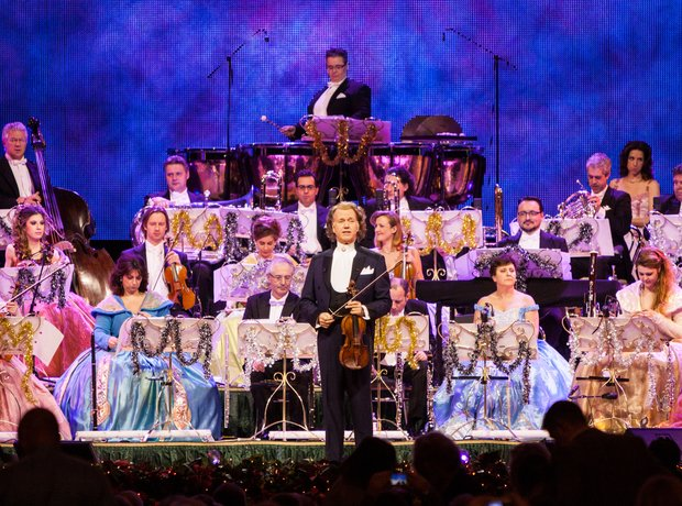 Andre Rieu in Concert at the O2 Arena London - André Rieu Live at ...