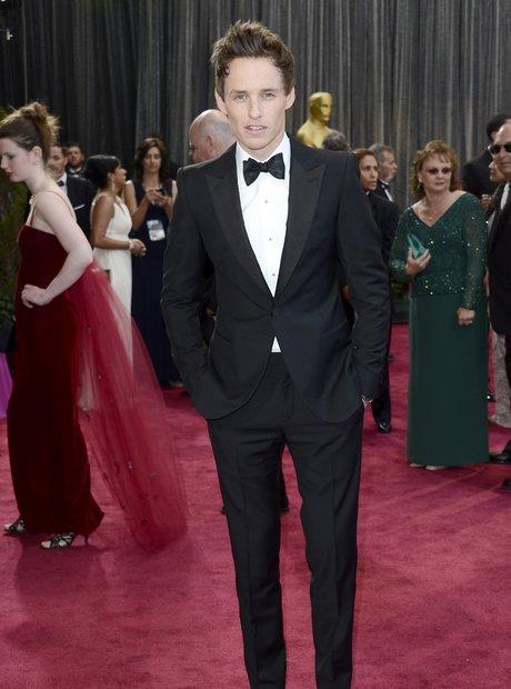 Eddie Redmayne attends the Oscars 2013 red carpet