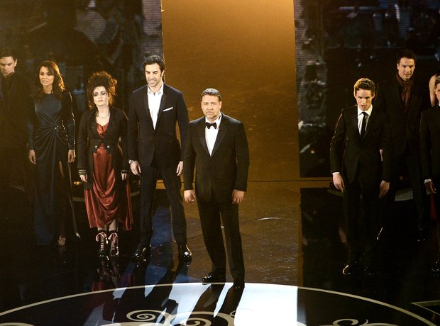 Russell Crowe and the cast of Les Miserables on st