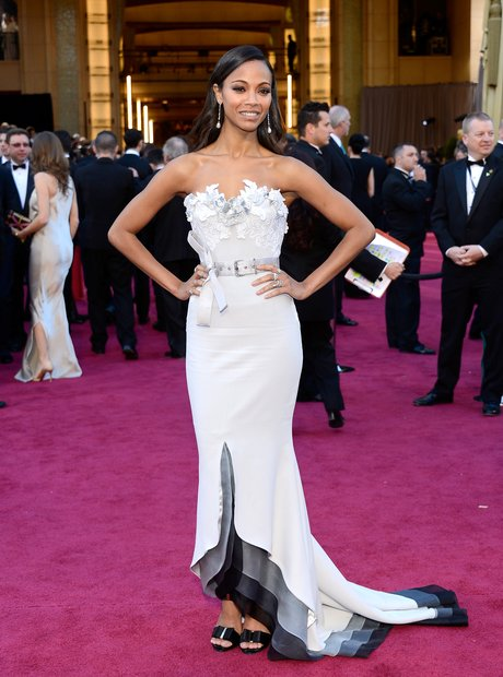 Zoe Saldana attends the Oscars 2013 red carpet