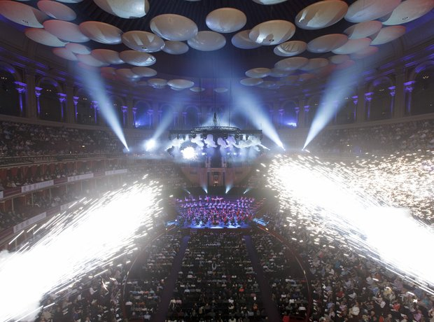 Fireworks Philharmonia Orchestra Classic FM 2013 t