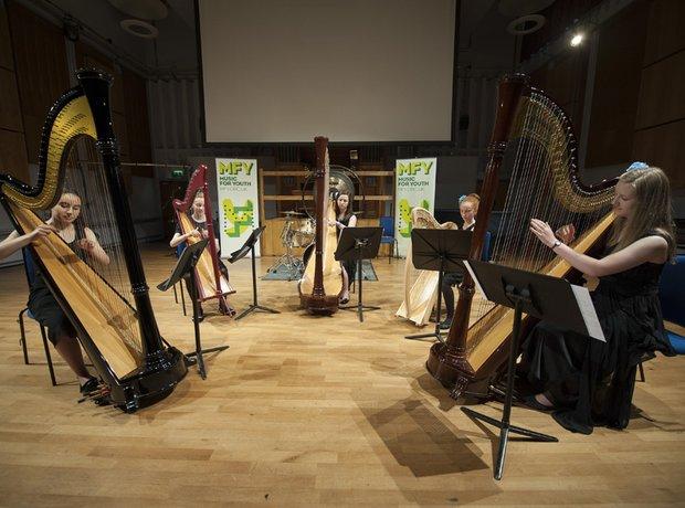 Isca Linea Harp Ensemble