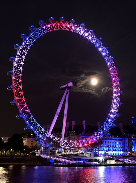London celebrate the birth of Royal baby