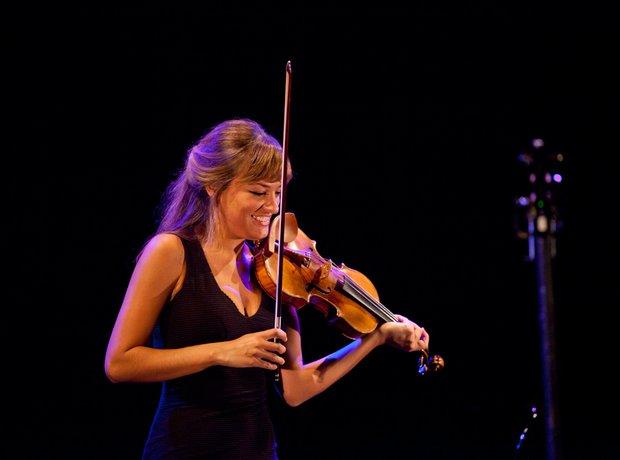 9 left-handed classical musicians - Classic FM