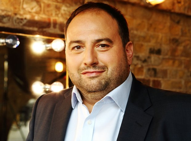 Wynne Evans - new press shots