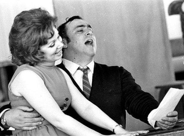 Pavarotti Mirella Freni
