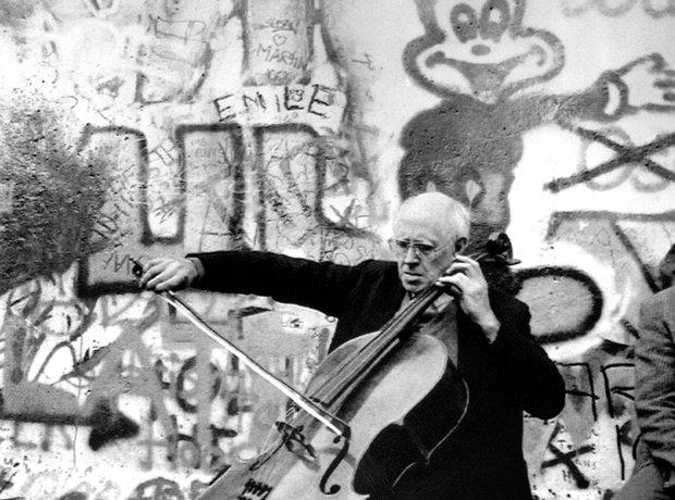 Rostropovich Berlin wall 1989