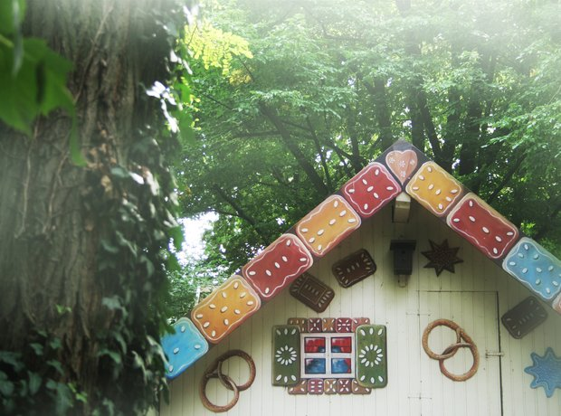 Hansel Gretel gingerbread house fairytale