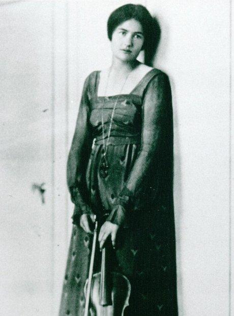 Rebecca Clarke woman composer viola