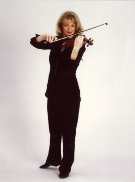 Angele Dubeau violinist Music in the Mountains festival