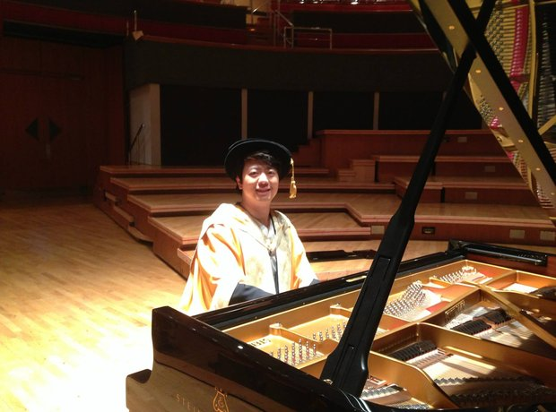 Lang Lang receives honorary doctorate from Birming