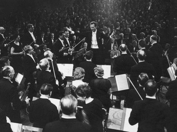 Carlo Maria Giulini conductor La Scala Milan