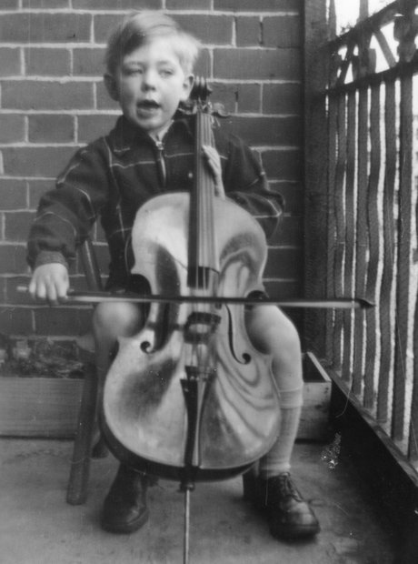 Julian Lloyd Webber cellist boy