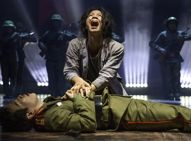 Eva Noblezada Kwang Ho Hung Miss Saigon London 2014