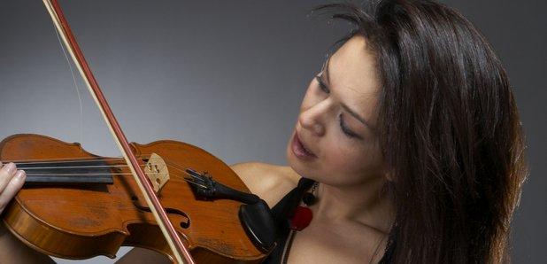 naked-girl-plays-violin