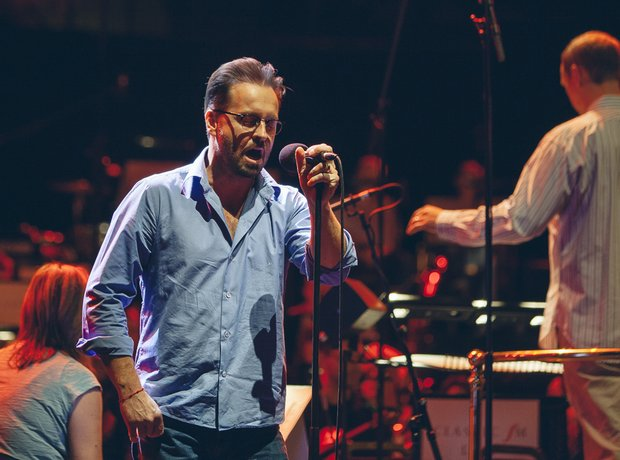 Alfie Boe rehearsing during ClassicFM Live 2014