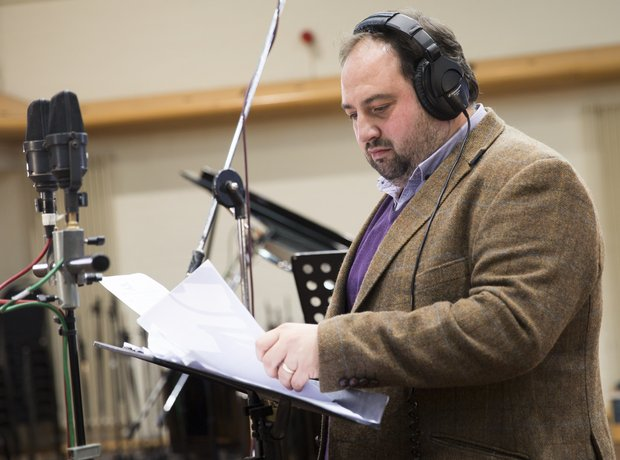 Wynne Evans Classic FM Chaity Single Global Make