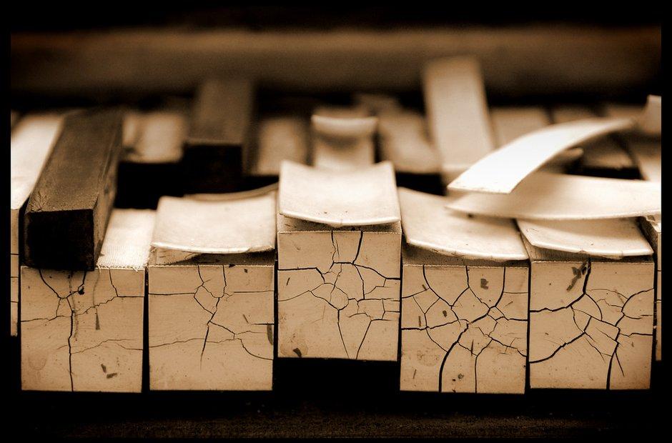broken piano