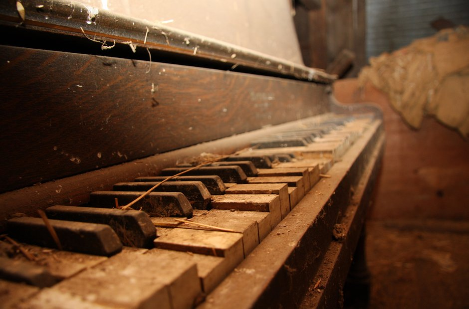 16 Haunting Pictures Of Broken Abandoned Pianos Classic Fm