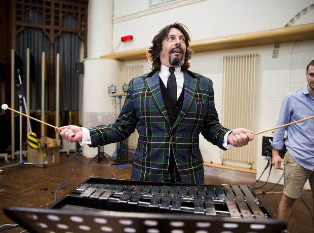 Laurence Llewelyn Bowen Classic FM Charity Single